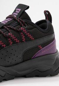 Puma - EMBER TRL - Trail running shoes - black/purple/nrgy rose - 5