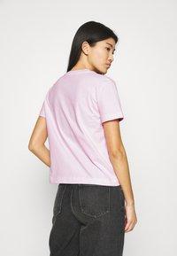 Calvin Klein Jeans - MONOGRAM LOGO TEE - T-shirt basique - pearly pink/quiet grey - 2