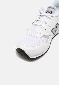 New Balance - 393 UNISEX - Trainers - white/navy - 4