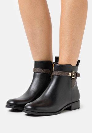 FANNING FLAT BOOTIE - Stiefelette - black