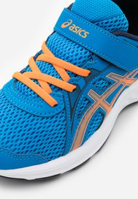 ASICS - JOLT 2 - Zapatillas de running neutras - directoire blue/orange cone - 5