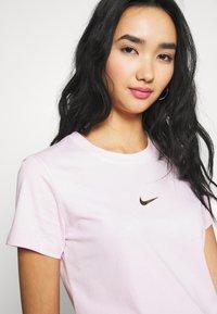 Nike Sportswear - Print T-shirt - pink foam - 5