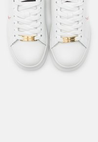 Trussardi - ANEMONE ACTION LOGO - Trainers - white/red/gold - 6