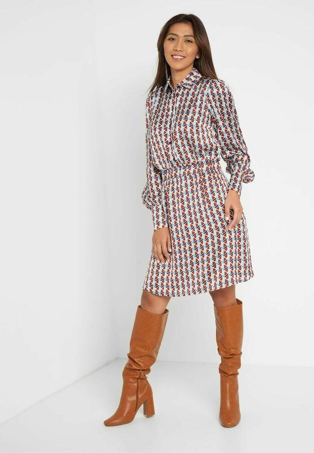 Shirt dress - herbstrot