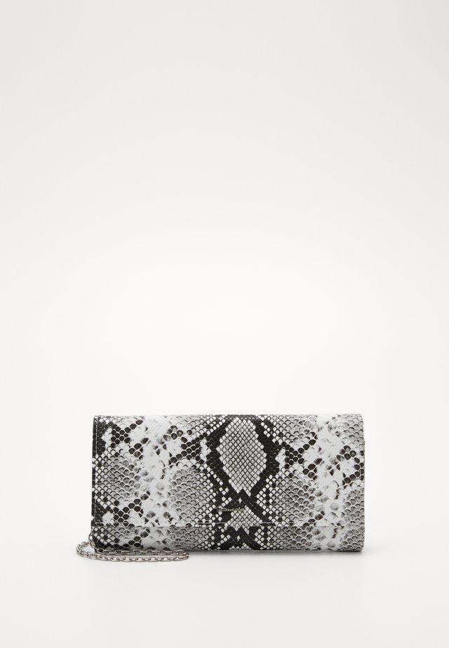 ANDREA - Wallet - white