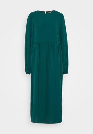 OVERSIZED MIDI SMOCK DRESS - Korte jurk - dark green