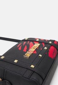 Love Moschino - PRINTED - Across body bag - fantasy color - 4