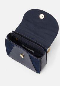 NAF NAF - Across body bag - bleu - 2