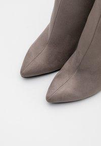 Even&Odd - Kotníková obuv na vysokém podpatku - grey - 5
