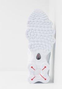 Nike Sportswear - Shox TL - Sneakersy niskie - white/metallic silver/max orange - 5