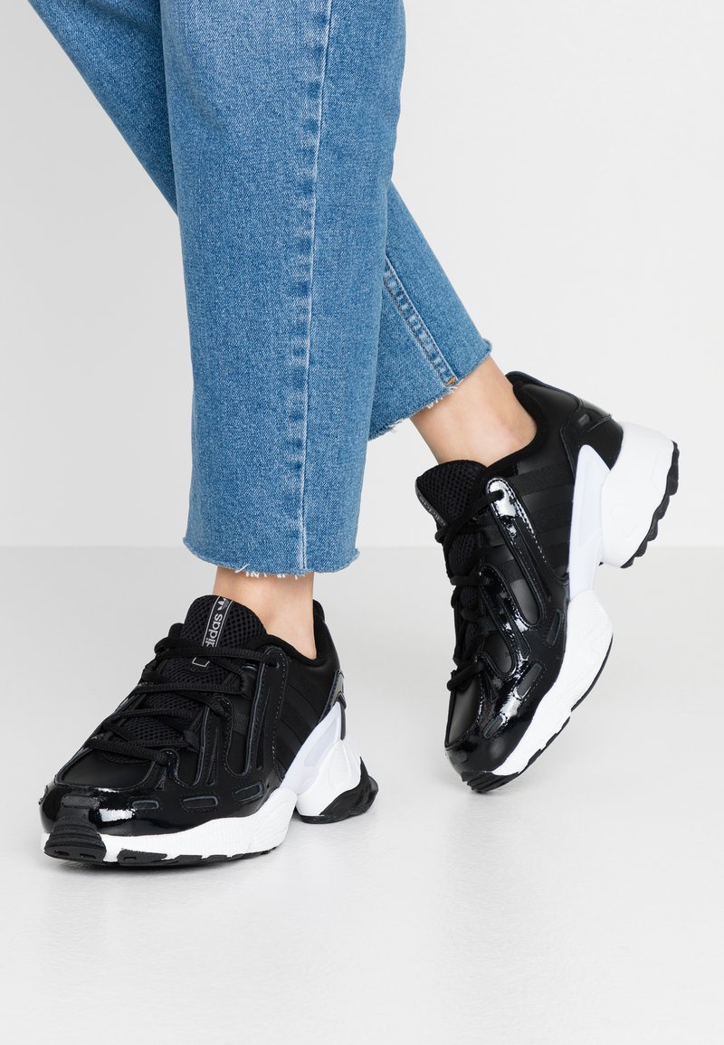 adidas Originals - EQT GAZELLE  - Sneakersy niskie - core black/footwear white