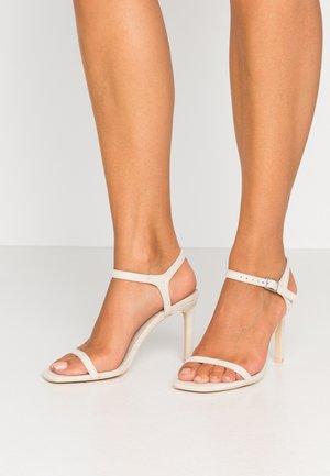 SQUARE  - Sandály na vysokém podpatku - beige