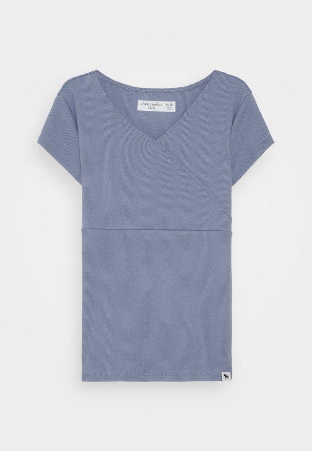 WRAP FRONT TEE - Print T-shirt - tempest