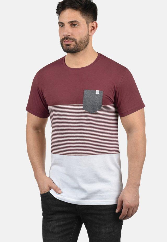 T-shirt print - wine red