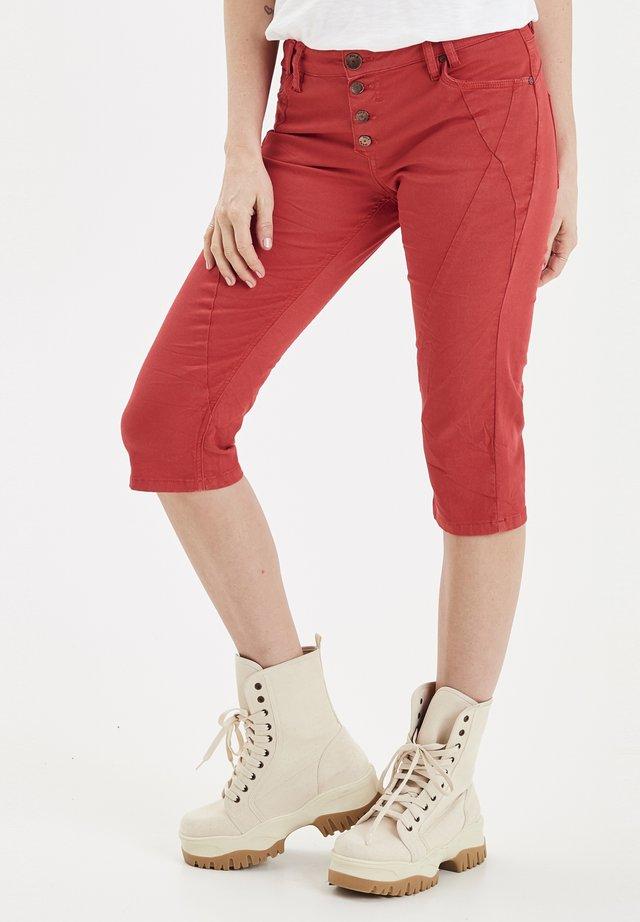 PZROSITA  - Denim shorts - red