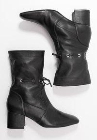 mint&berry - Kotníkové boty - black - 3