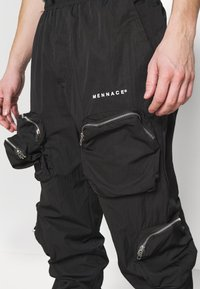Mennace - SHADOW TRACKSUIT TROUSER - Tracksuit bottoms - black - 5