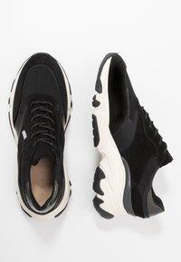 Pregis - KAYO - Sneaker low - black/white - 1