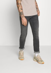 Tommy Jeans - SCANTON - Slim fit jeans - grey - 0