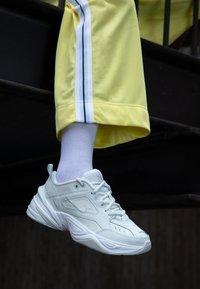 Nike Sportswear - M2K TEKNO - Sneakers - spruce aura/sail/summit white - 4