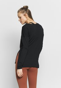 Nike Performance - DRY LAYER  - Funktionsshirt - black - 2