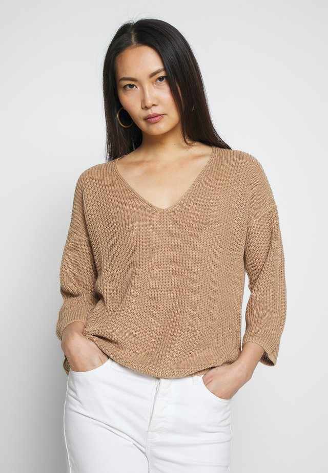 PETRONA - Pullover - tannin