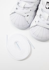 adidas Originals - SUPERSTAR EL - Sneaker low - footwear white/core black - 6