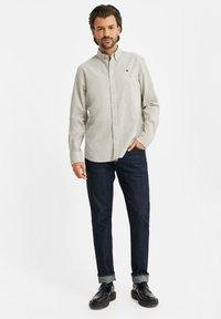 WE Fashion - SLIM FIT  - Shirt - off-white - 1