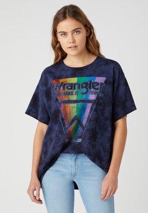 OVERSIZED - T-shirt z nadrukiem - navy irreg. dye