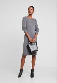 TOM TAILOR - DRESS - Pletené šaty - anthracite melange - 2