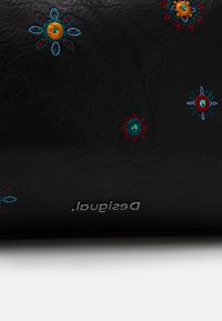 Desigual - BOLS LULULOVE LOVERTY - Handbag - black - 4