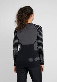 Diadora - TECHFIT  - Koszulka sportowa - black - 2