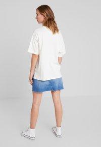 Converse - CONVERSE RENEW TEE - Basic T-shirt - egret - 2