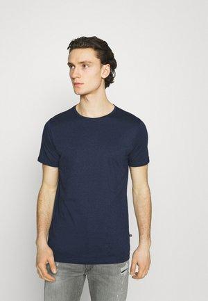 JERMANE - Basic T-shirt - dust blue