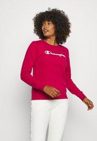 Champion - CREWNECK  - Sweatshirt - red - 0