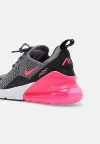 Nike Sportswear - AIR MAX 270 - Tenisky - smoke grey/hyper pink/black/white - 4