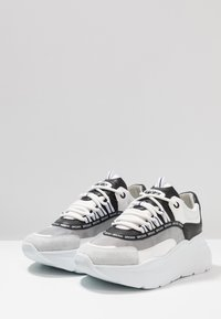 Bronx - GRAYSON - Joggesko - white/black - 4