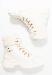 Panama Jack - HELSINKI IGLOO - Kotníkové boty na platformě - blanco/white - 4