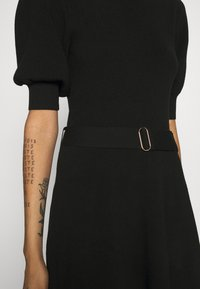 Forever New - LOUISA SHORT PUFF SLEEVE DRESS - Jumper dress - black - 4