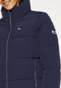 Tommy Jeans - MODERN PUFFER JACKET - Winter jacket - twilight navy - 5