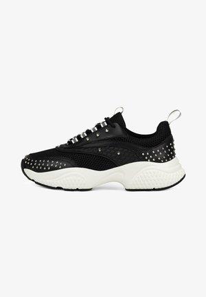 SCALE RUNNER-STUD - Sneakers laag - black