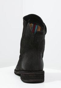 Felmini - GREDO - Classic ankle boots - black - 4
