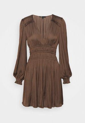 RIANNA - Day dress - marron