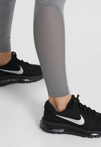 Nike Performance - Medias - gunsmoke/heather/gunsmoke/black - 4