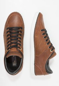Bullboxer - Trainers - marron brown/black - 1