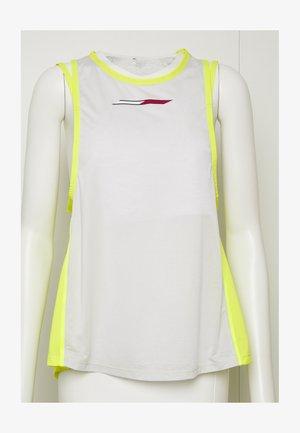 STRAPPY BOYFRIEND TANK - Sports shirt - green
