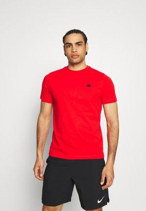 ILJAMOR - T-shirt basic - firey red