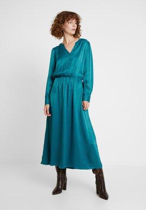 BEYONCE - Shirt dress - deep green