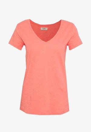 ARDEN V NECK TEE - Basic T-shirt - sugar coral
