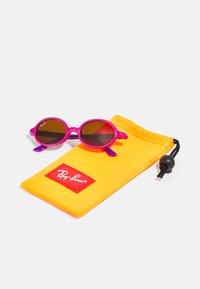 Ray-Ban - JUNIOR UNISEX - Sunglasses - fucsia on violet - 2